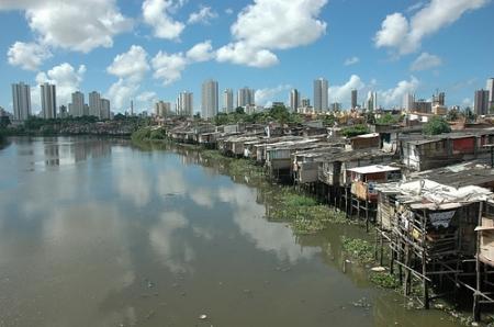 Visão panorâmica favela Abençoada por Deus,Vila SAnta Luzia,bairro Torre, Recife-Pe